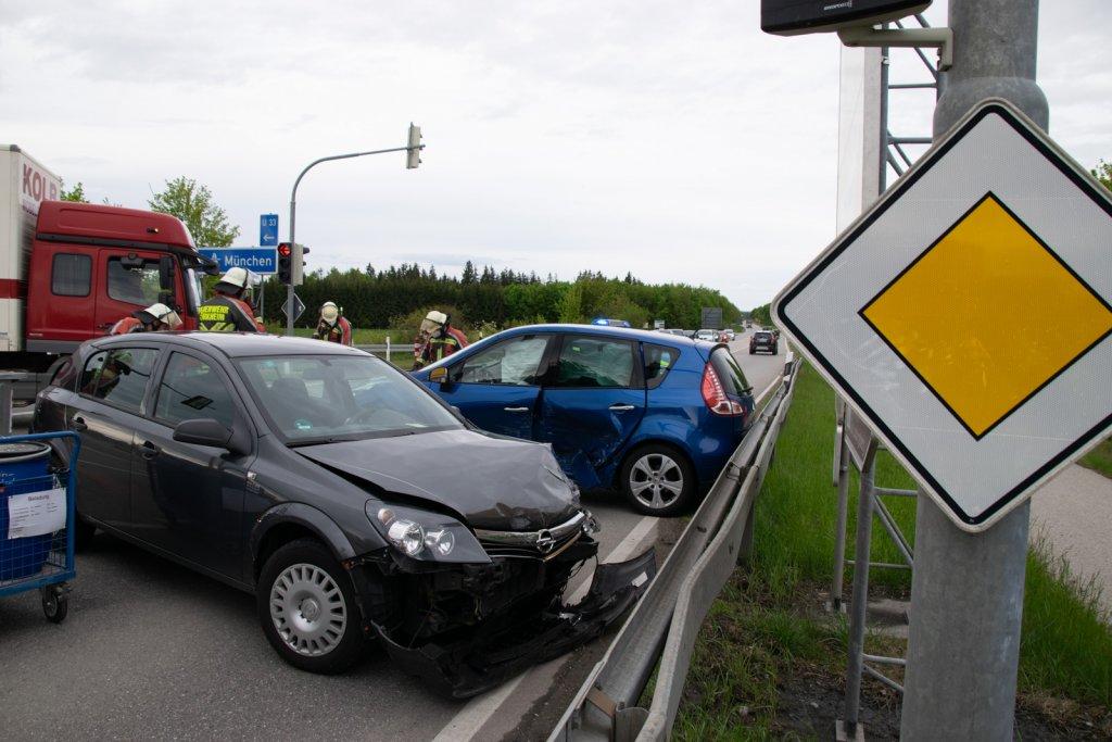 Fahrzeuge an der Unfallstelle